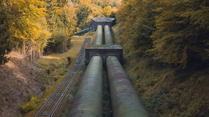 Largest NA pipeline company, Enbridge, to shift toward renewable energy