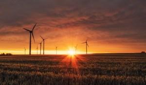 Saudi green hydrogen - wind and solar