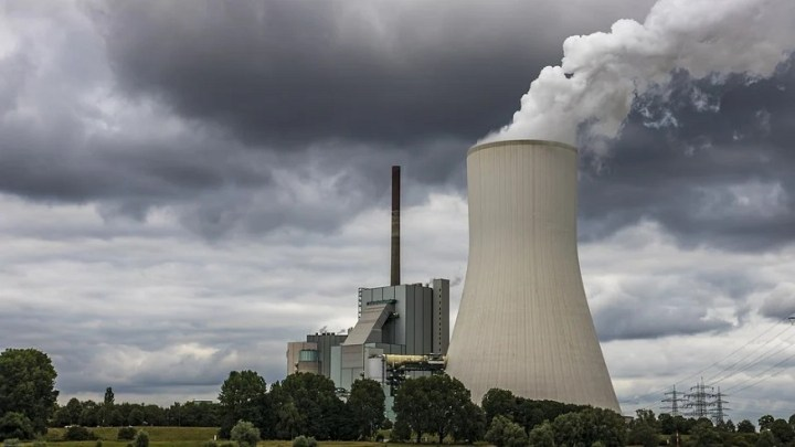 Biden seeks an end to power plant emissions by 2035