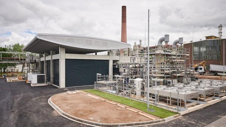 Shell opens largest green hydrogen electrolyzer in Europe