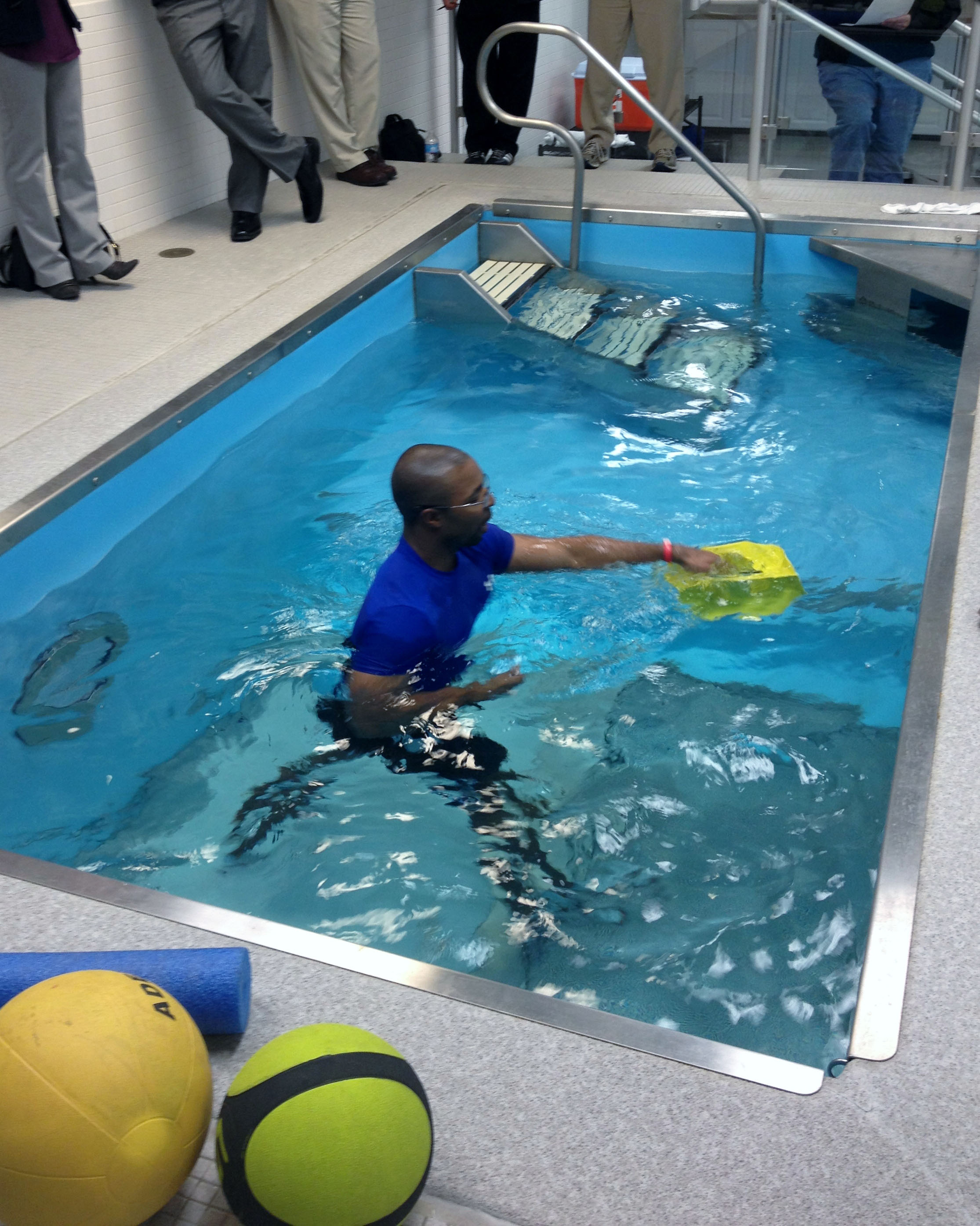 Pool Workouts For Athletes Blog Dandk