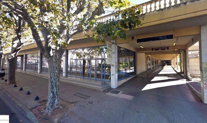 La Cigale Varoise Se Garer à Hyères Centre Historique