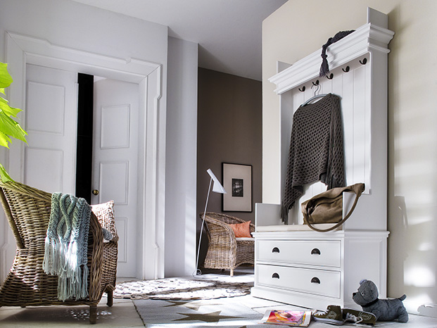 How to Maximize a Small Hallway