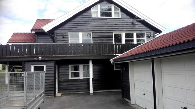 Hus etter ferdig malt Villmarkspanel