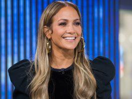 Jennifer Lopez Shows Off Her Thong