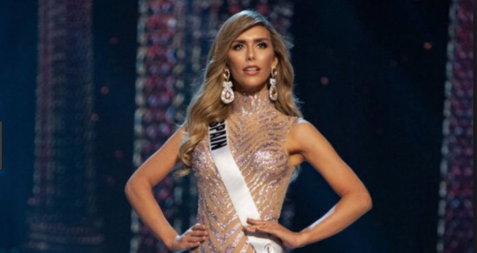 Woman in Miss Universepng