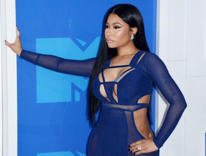 Nicki Minaj Gets Her Feet Massaged