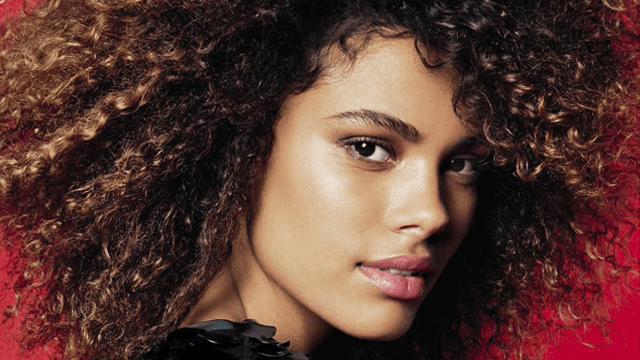 CloseUp Tina Kunakey Is Curl Perfection In Glamour Italia May 2017