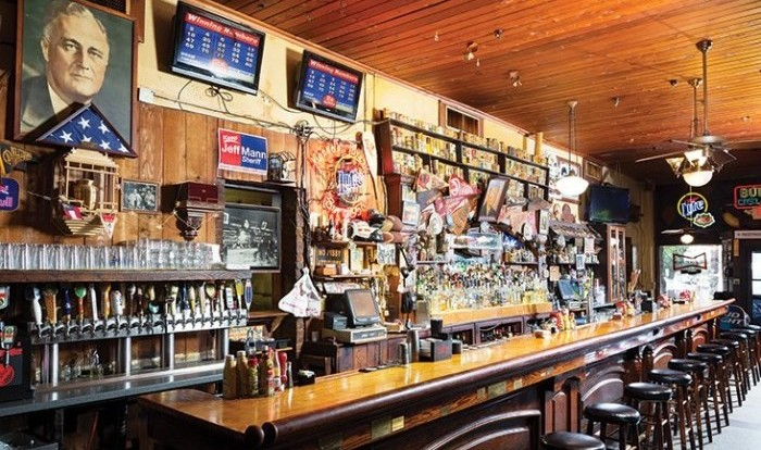 manuels-tavern