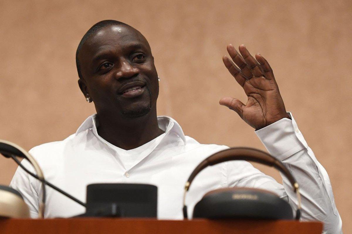 Akon, l'artiste d'origine Sénégalaise crée une société de crypto-monnaie pour pouvoir continuer ses projets pour L'Afrique. Akon, le rappeur qui avait comme projet d'électrifié l'Afrique, se lance dans un nouveau