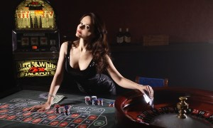 woman applying roulette tips