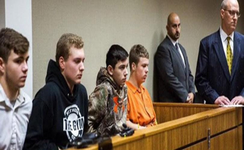 5 teenagers charged with 2nd-degree murder in rock-throwing death