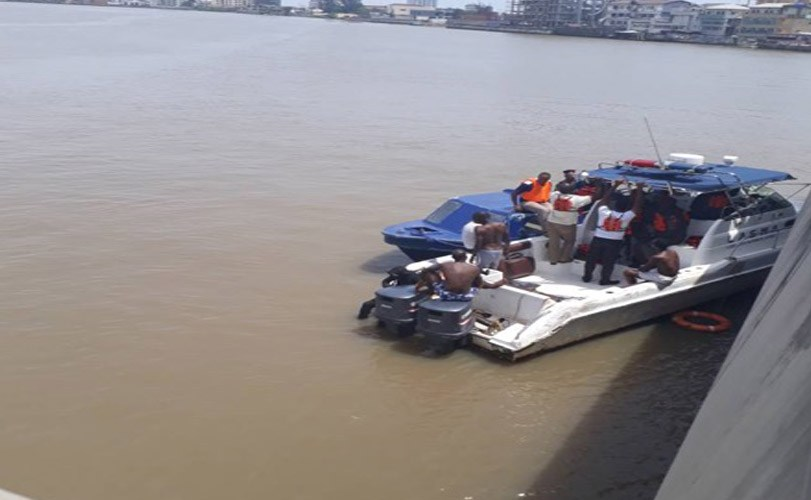 Married man jumps into Lagos Lagoon from Lekki-Ikoyi Bridge.