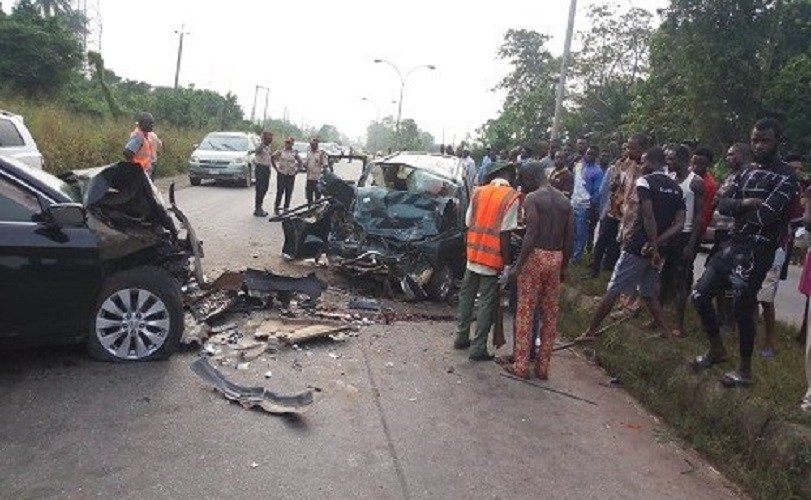 Five die, two injured as two cars collide in Ogun (Photos)