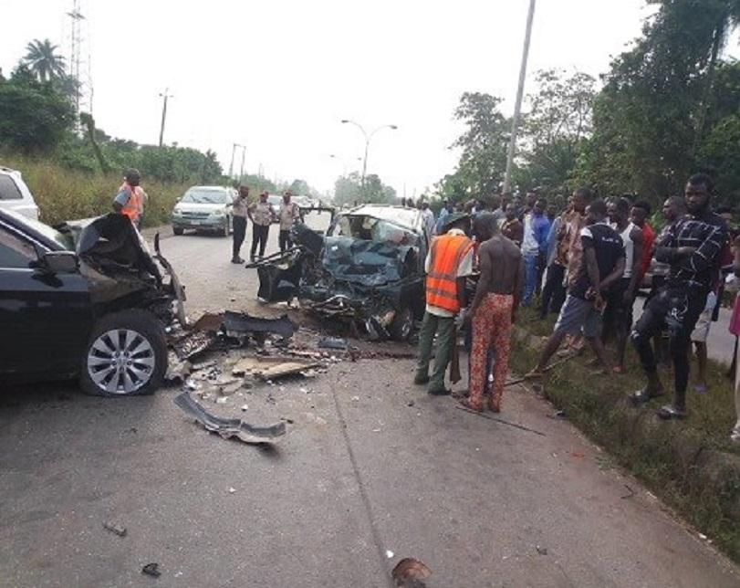 Five die, two injured as two cars collide in Ogun (Photos)
