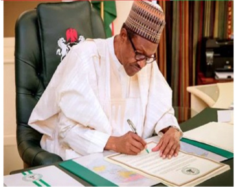 Buhari, Osinbajo get asset declaration forms 24hrs to deadline