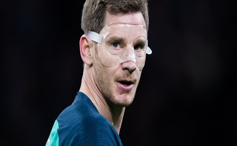 Vertonghen injury scare for Tottenham Hotspur after leaving Ajax game on crutches