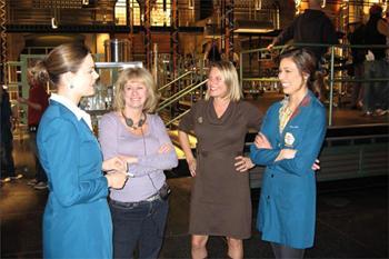 Kathy Reichs e la figlia Kerry sul set di Bones