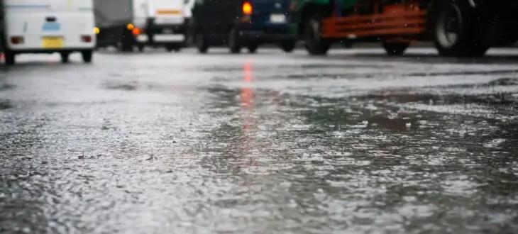 梅雨の時期こそ気にしたいエコドライブのすすめ|エコドライブ研究所