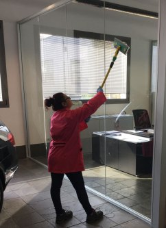 pulizia uffici reggio emilia - vetri