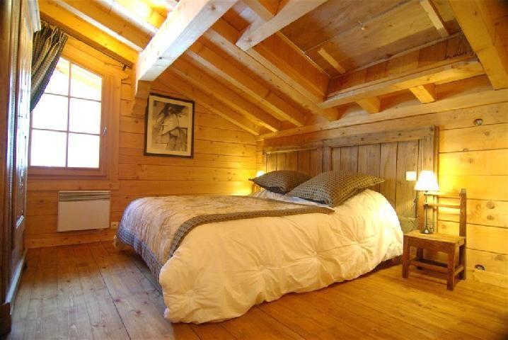 Buhardilla natural en madera  Imgenes y fotos
