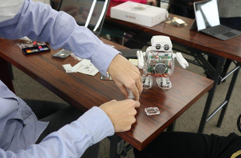 かささぎプログラミング教室に可愛いロボットが来ました!