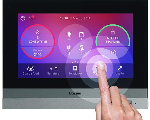 Individualisieren Sie die Startseite des Hometouchs und speichern Sie Ihre Lieblingsbefehle für die Hausautomation und Türkommunikation ab. (Bild: Bticino)