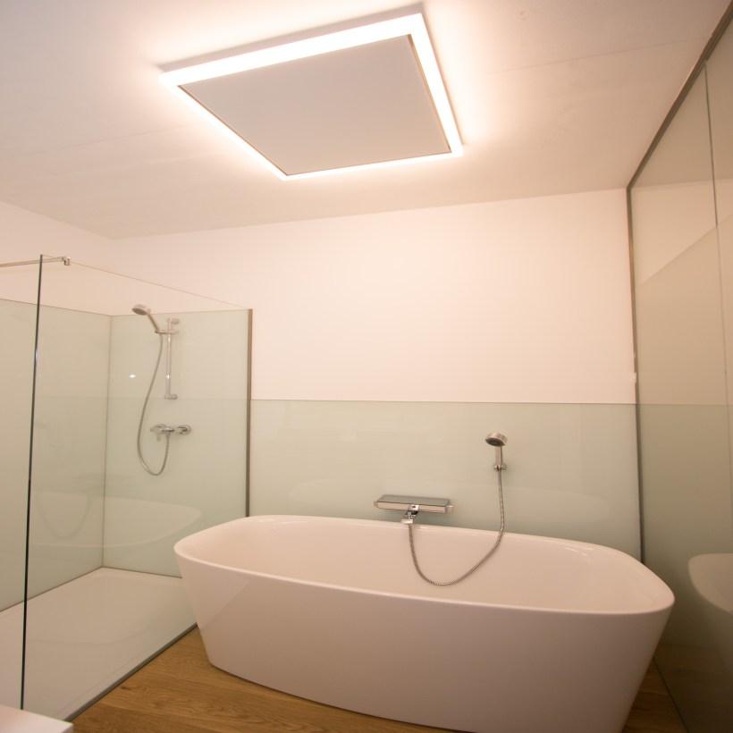 Macht im Bad ein gute Figur: easyLight Frame. (Bild: ILD)