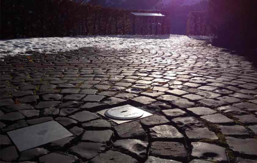 Wetterfest – Bodendose MASSO verbaut im Außenbereich. (Bild: GIFAS ELECTRIC Gesellschaft m.b.H)