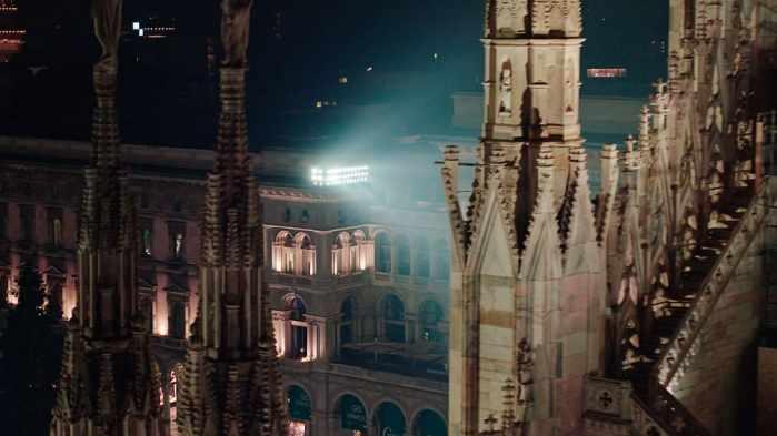 Lichtplaner Pietro Palladino gliederte die neue Außenbeleuchtung in drei verschiedene Höhen. (Bild: Erco/Moritz Hillebrand)