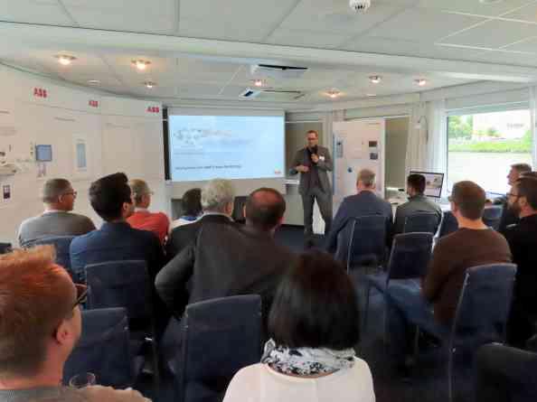 In einer Vortragsreihe der Experten von ABB Österreich erfuhren TeilnehmerInnen von den neuesten Produkten und Entwicklungen aus dem Bereich Smart Buildings. (Bild: ABB AG)