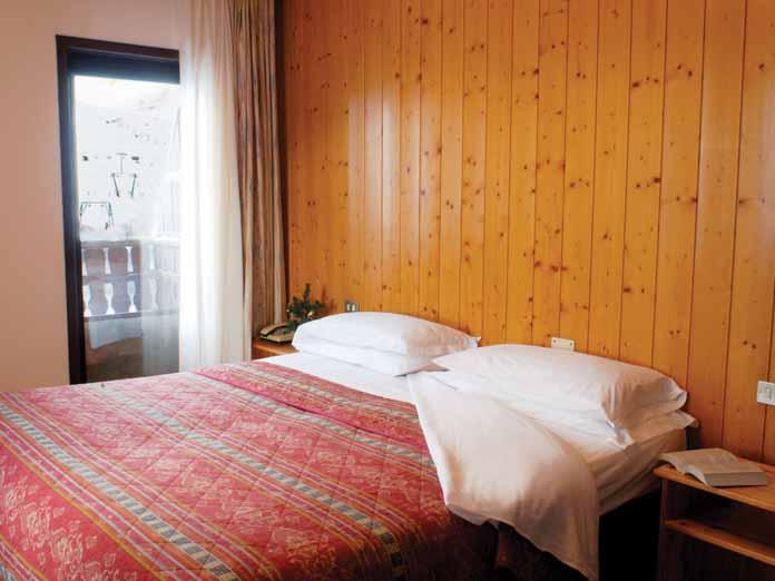 I Ski Co Uk Hotel Dolomiti Passo Tonale Italy