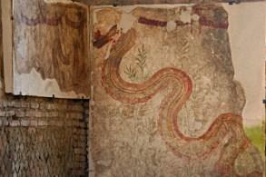 0585 Ostia - Mitreo dei Serpenti - Fresko - Schlange - Südwand