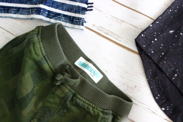 I Adore What I Love Blog // THESE LABELS BY MINTED ARE A GAME CHANGER // Waterproof Kid's Name and Clothing Labels // www.iadorewhatilove.com #iadorewhatilove