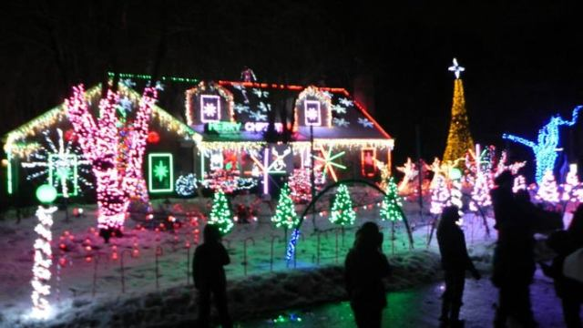 THE BEST PLACES TO SEE  CHRISTMAS LIGHTS IN CHICAGO'S NORTH SHORE :: I Adore What I Love Blog :: www.iadorewhatilove.com #iadorewhatilove