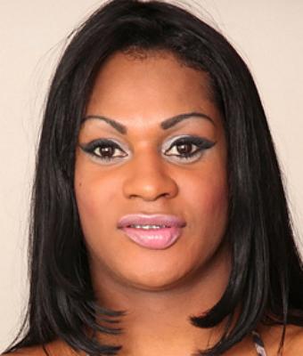Headshot of Andreia Scofany