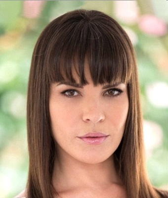 Headshot of Dana DeArmond