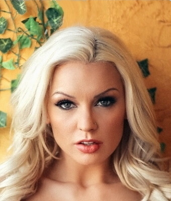 Headshot of Kenzie Taylor