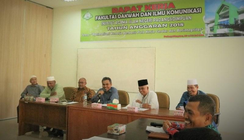 Optimalkan Kinerja Berbasis Pola Kerja Cerdas Berintegritas, FDIK IAIN Padangsidimpuan Gelar Rapat Kerja