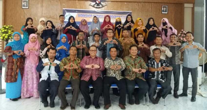 Menjawab Tantangan Ekonomi, FEBI IAIN Padangsidimpuan Adakan Workshop Manajemen Zakat dan Wakaf