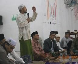 Ustadz Sufrin Efendi Lubis,M.A Memberikan Tausyiah di Asrama Putri IAIN Padangsidimpuan