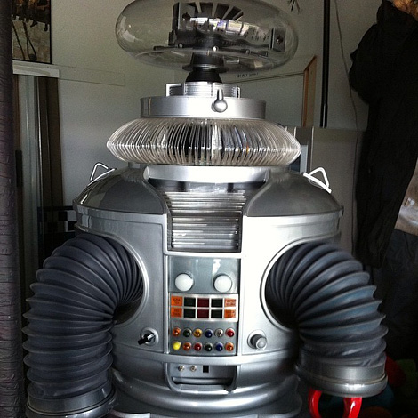 Lost in Space replica B9 robot