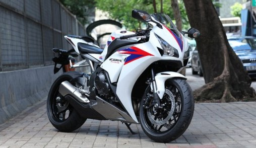 2012 Honda CBR1000RR 02