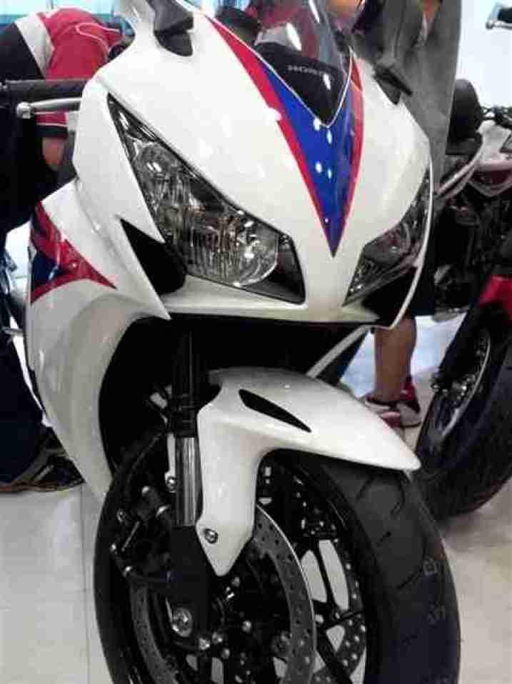2012 Honda CBR1000RR 10