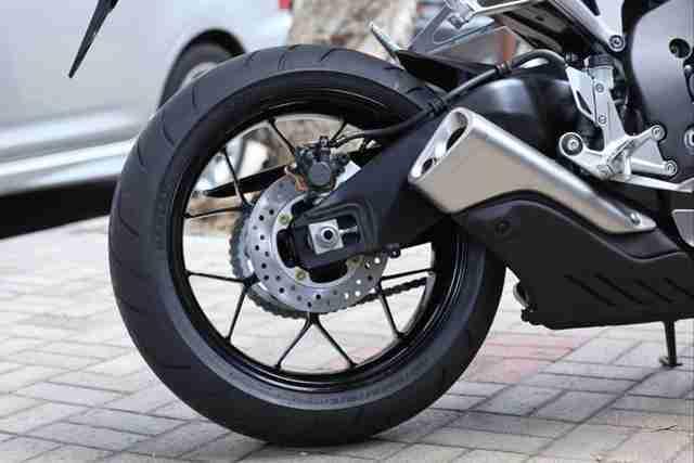 2012 Honda CBR1000RR 12