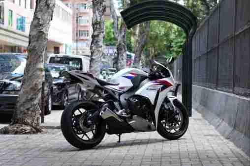 2012 Honda CBR1000RR 16