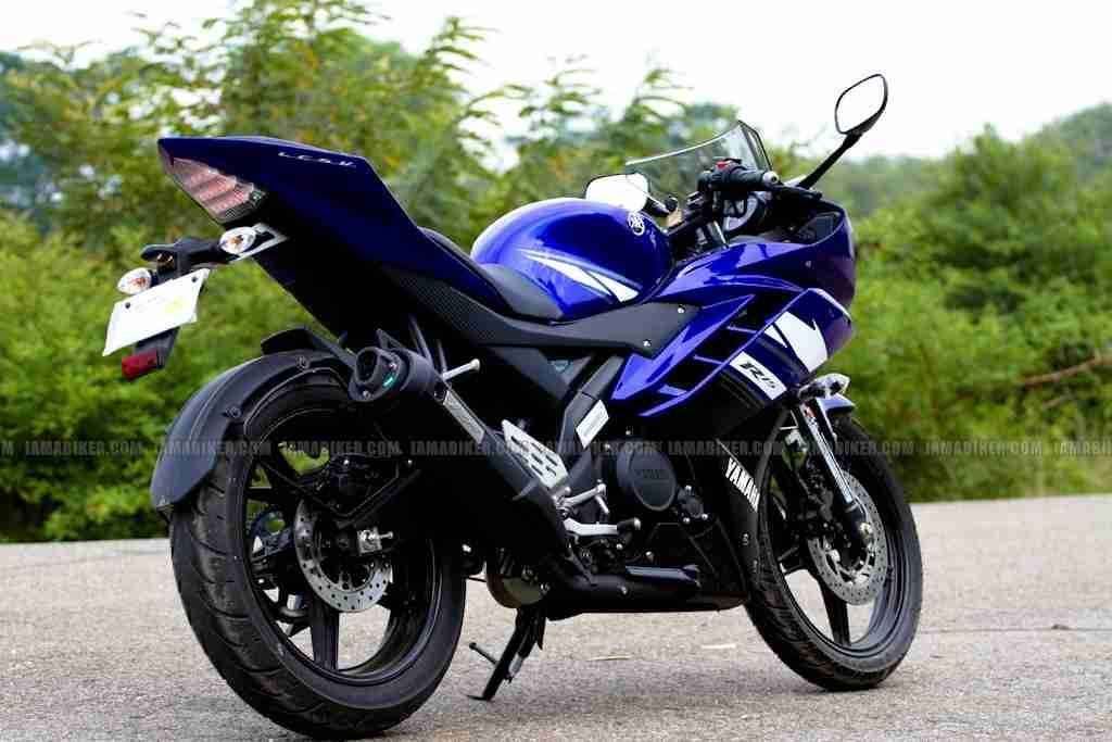 Yamaha R15 V2 0 Vs Yamaha R15 V1 0 Iamabiker
