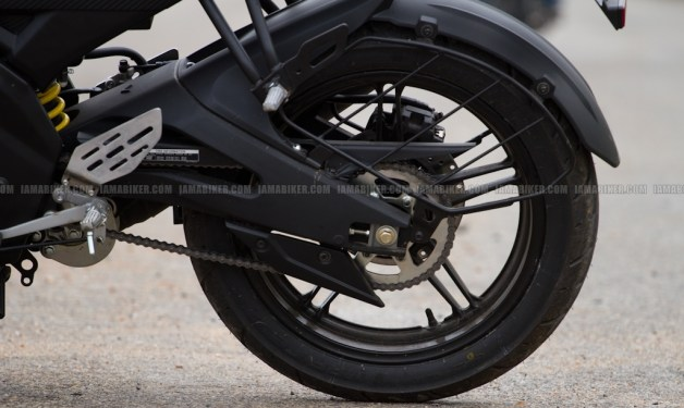 New Yamaha R15 V2.0 2011 11