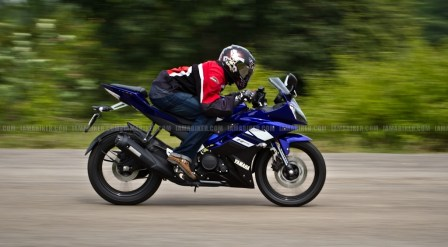 New Yamaha R15 V2.0 2011 36