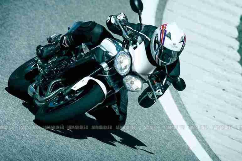 Triumph Speed triple 2012 12 IAMABIKER